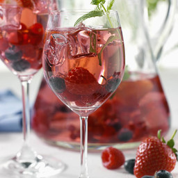 Sangria aux fruits rouges